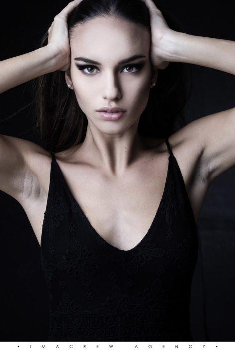 Arianna V.